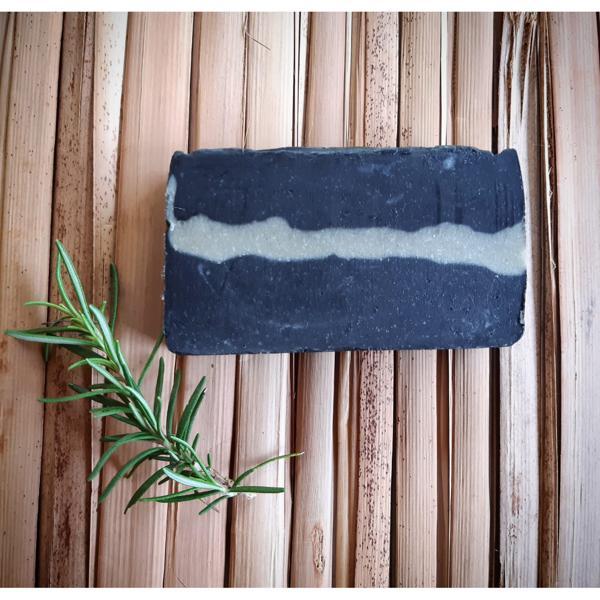 Sabonete artesanal de Carvão Ativado e Alecrim ( 100gr )