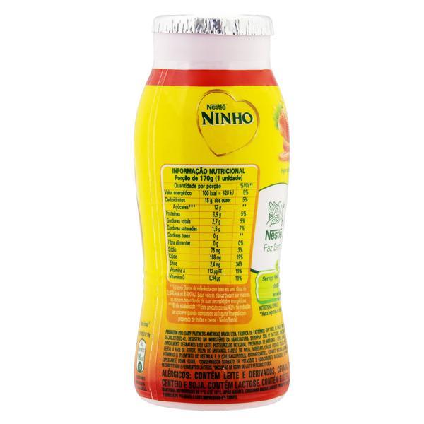 Iogurte Parcialmente Desnatado Morango Nestlé Ninho Frasco 170g