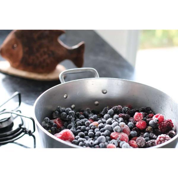 Iogurte caseiro com frutas vermelhas orgânicas ( 250ml)