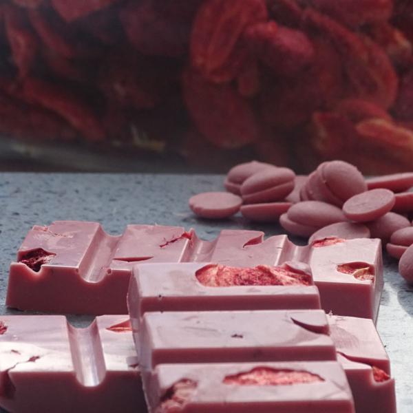 Tabletim de Chocolate Ruby com Frutas Vermelhas 2 unidades de 25g - GiAngelis Patisserie