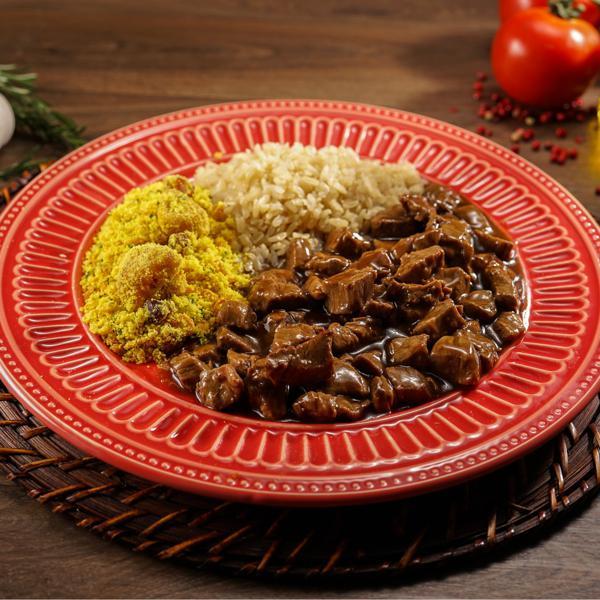 Picadinho de Filé Mignon com arroz integral e farofa de bananas 335g
