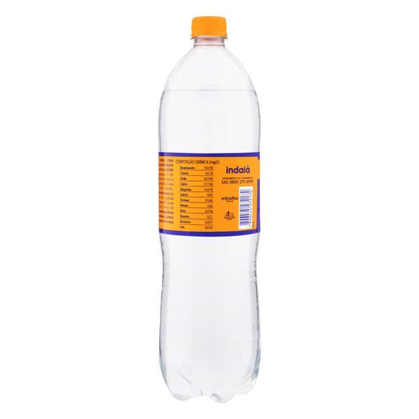 Água Mineral Natural com Gás Indaiá Garrafa 1,5l