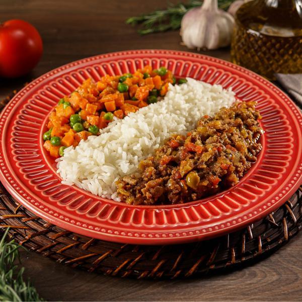 Refogado de Carne Moída acompanhado de legumes e arroz 335g