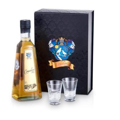 Kit Gaveta Ouro com 1 Cachaça Envelhecida 670 ml e 2 Copos Personalizados