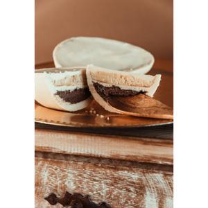 Ovo de chocolate branco com recheio de Croc e Brownie - 500g