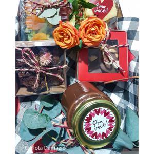 Fondue de chocolate no pote com frutas, damascos, biscoitos amanteigados e quadradinhos de brownie - Carlota Bolos