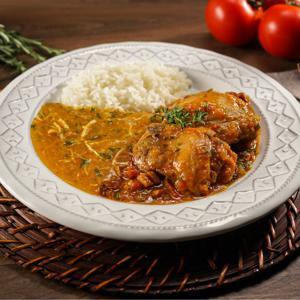 Frango ao Molho acompanhado de arroz branco e pirão 335g