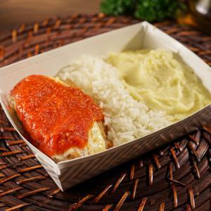 Filé Mignon à Parmigiana com arroz branco e purê de batatas 335g