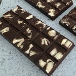 Barra de Chocolate 70% Cacau com Castanhas 50g - GiAngelis Patisserie